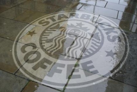 Reverse Grafitti von Starbucks