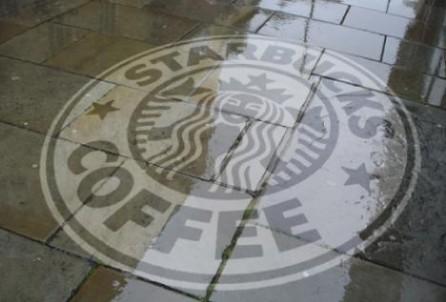 Reverse Grafitti von Starbucks